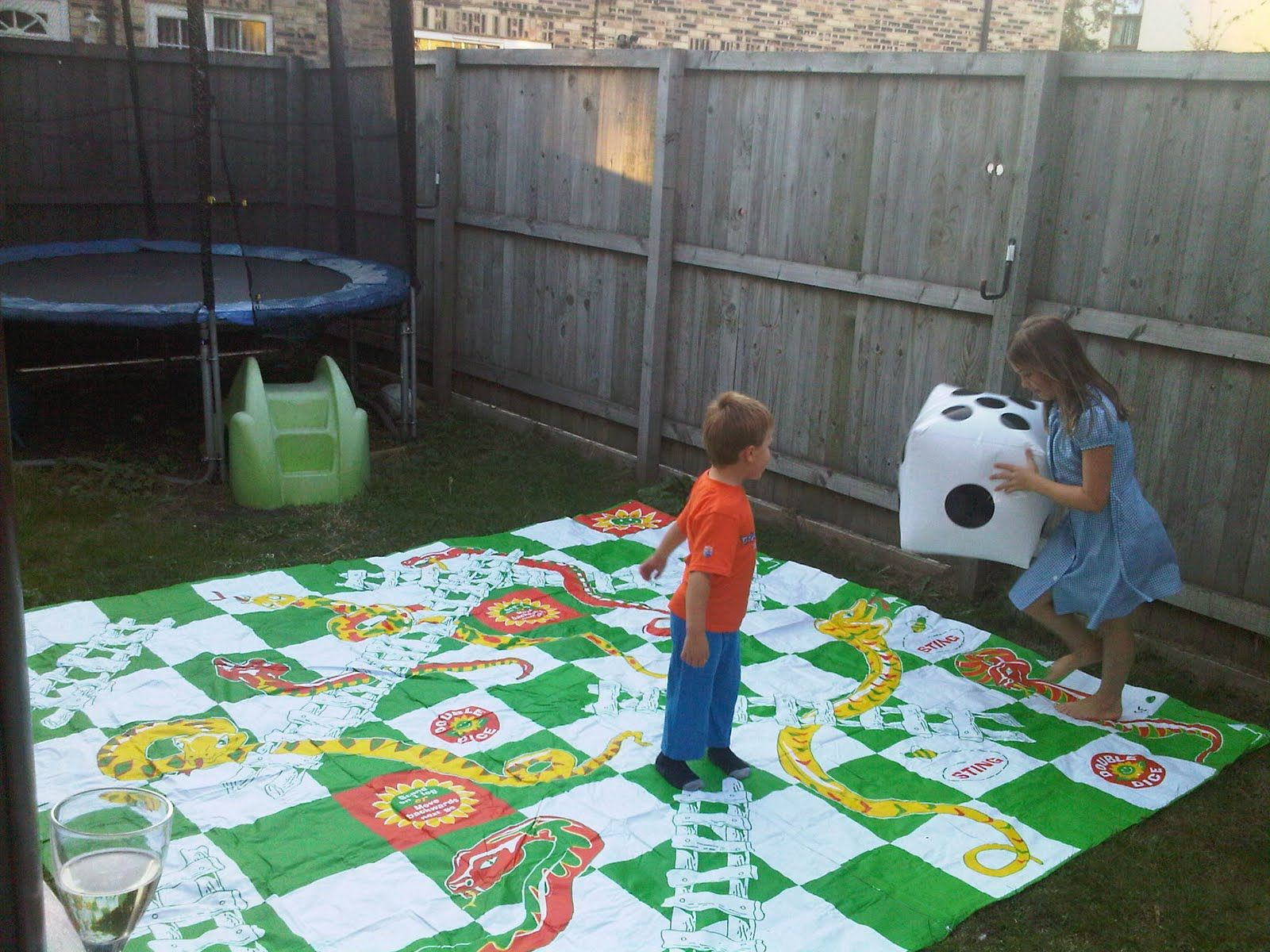 Pictures images snakes and ladders board game template wallpaper - Lifesize Snake And Ladders