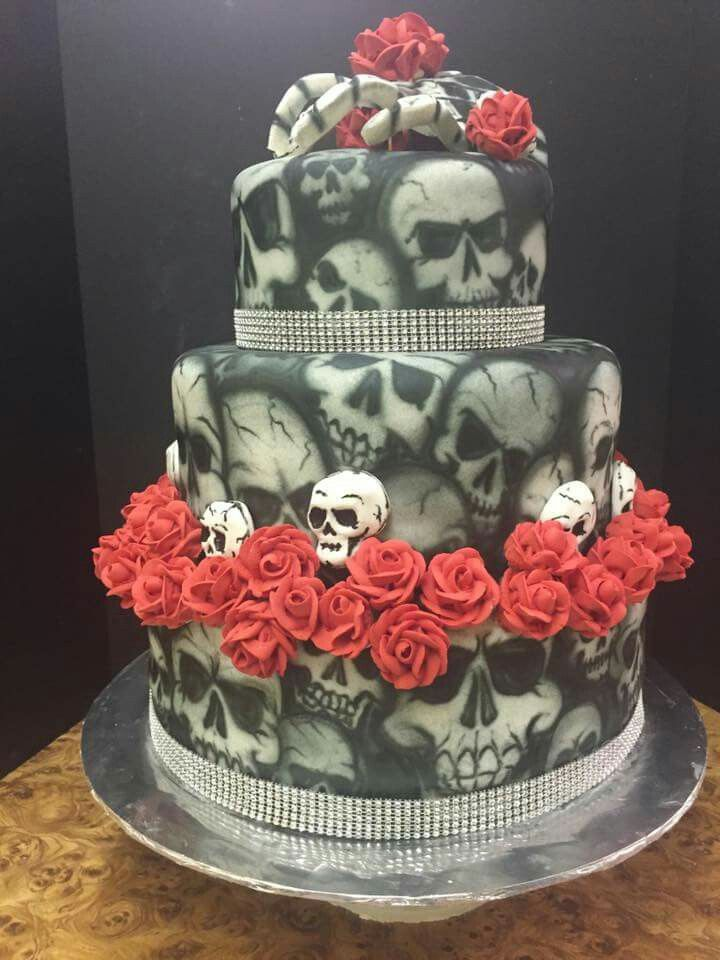 Skull cake | Skull cake, Amazing cakes, Cake decorating