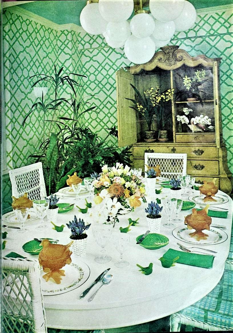 Pin By Zwani Zwerina On Dining Retro In 2020 Table Decorations Decor Pale Green