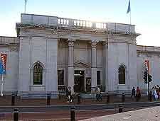 Ferens Art Gallery Hull Which Has Housed Exhibitions Of Works By David Hockney Andy Warhol And Leonardo Da Vinci Hull England Kingston Upon Hull Hull City