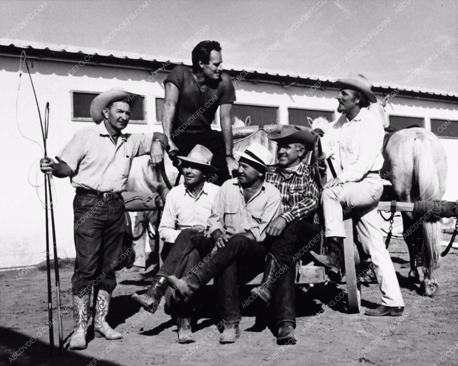 Photo Charlton Heston And Crew Behind The Scenes Film BenHur - 14 behind scenes photographs