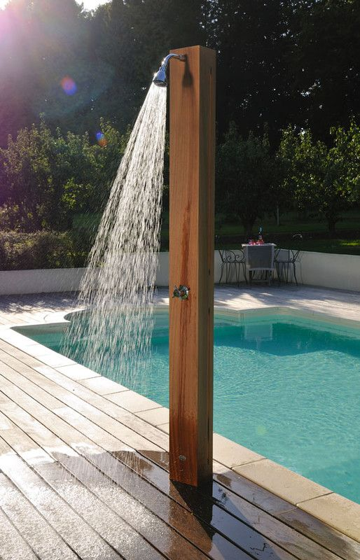 Douches solaires et design le sp cialiste des piscines euro piscine services douche solaire - Douche de piscine design ...