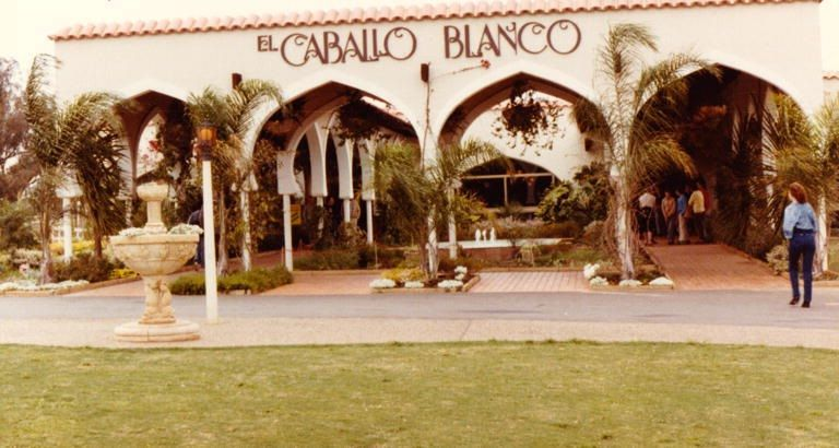 El Caballo Blanco, A Forgotten Past