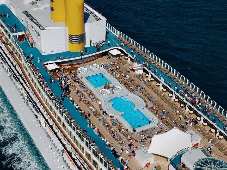 Costa victoria piscinas de cruceros pinterest for Piscinas vitoria