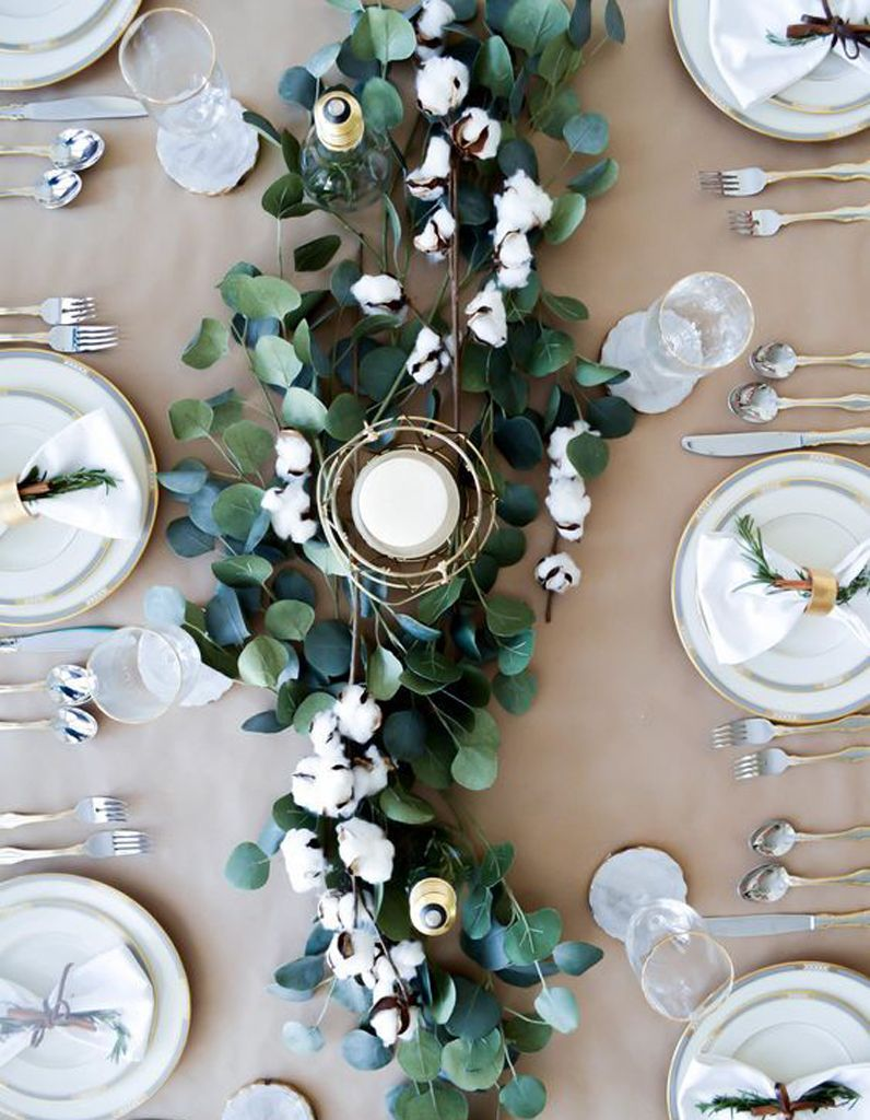 decoration de table hiver composez un chemin de table vegetal