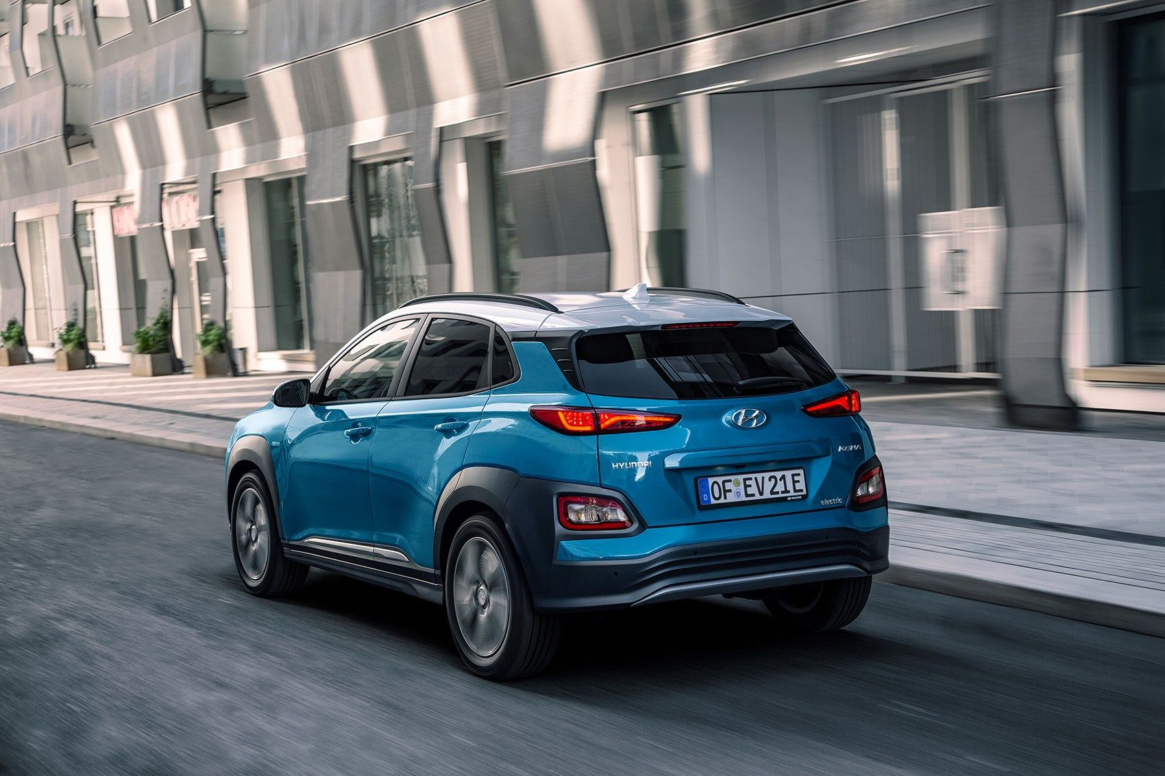 Hyundai Kona Electric 2018 Review Pick Of The Bunch In 2020 Hyundai Best Hybrid Cars Hybrid Car