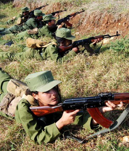 military_woman_cuba_army_000017