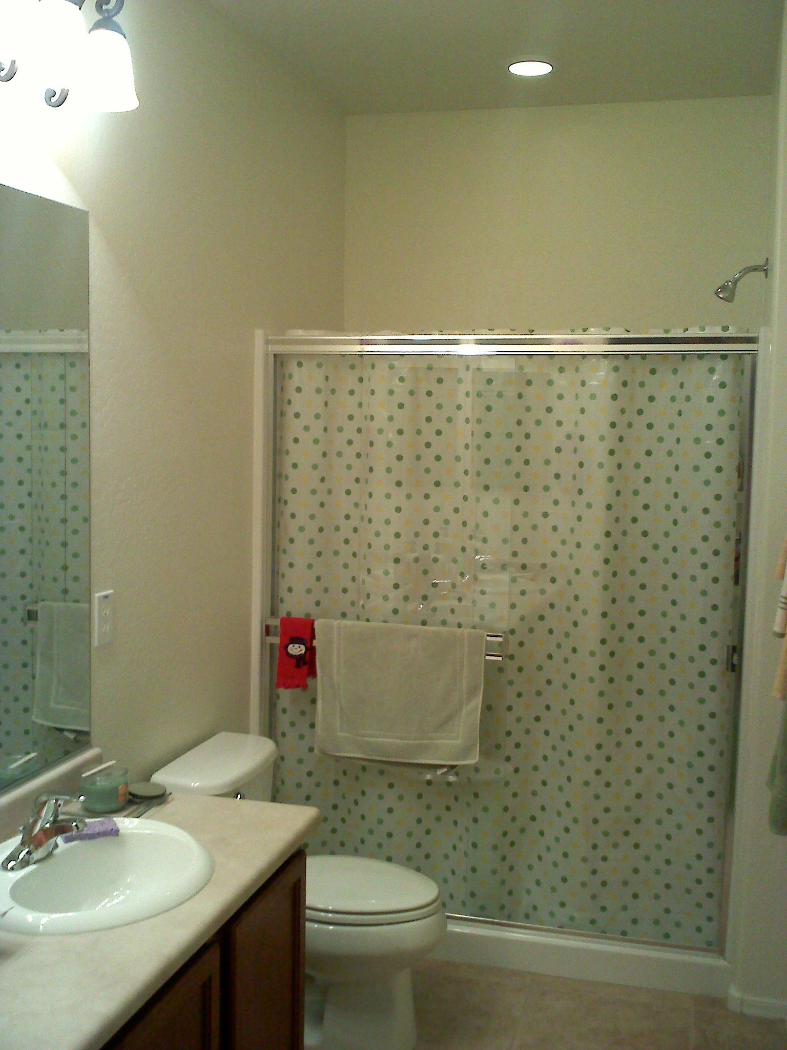 This Is Interesting They Put A Shower Curtain Inside Of The Glass Doors Probably So Wouldnt Have To Squeegee Every Time