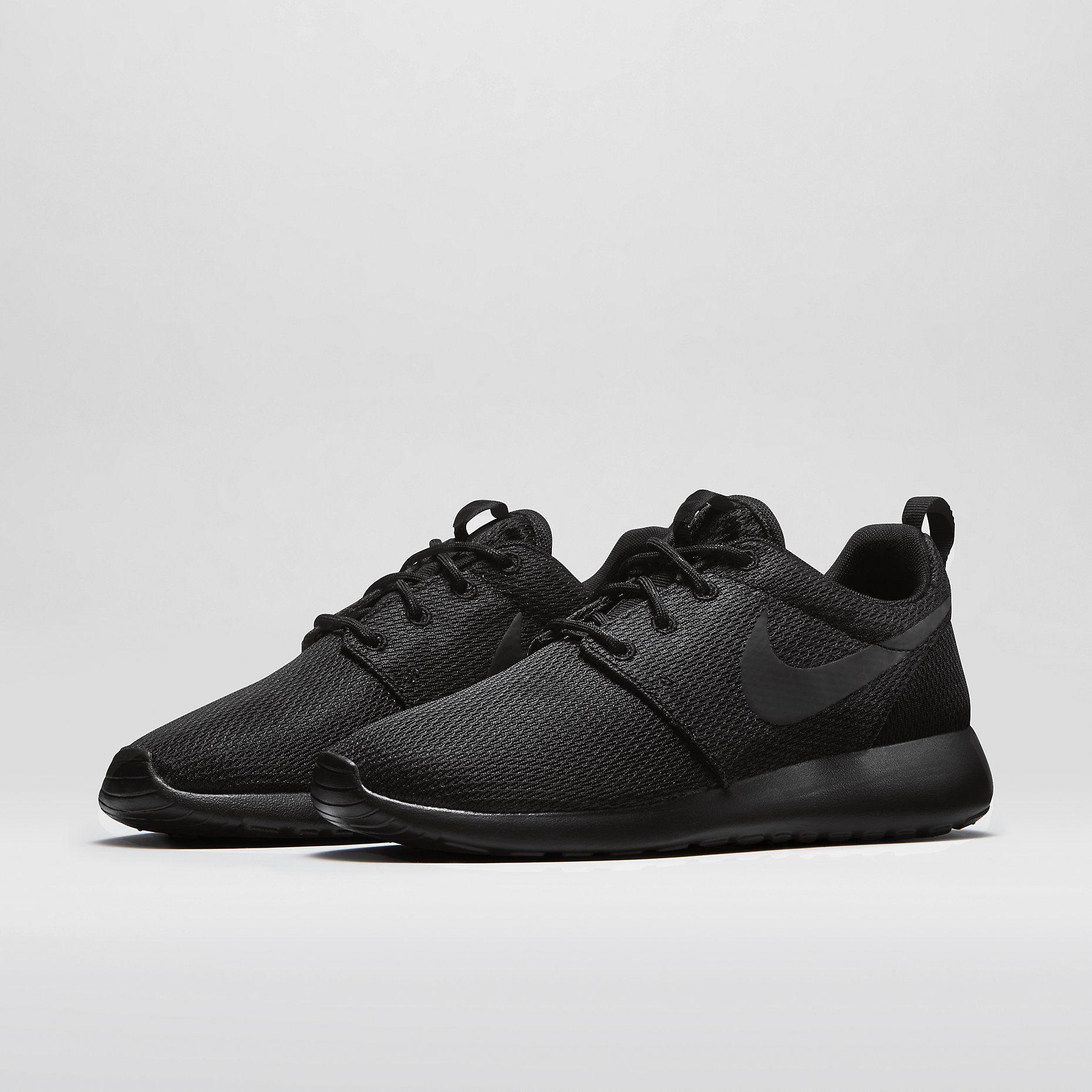Nike Roshe Run Women's Shoe. Nike Store 75.00
