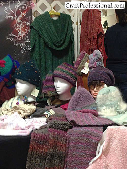 10 Craft Fair Booths Featuring Knit And Crocheted Handmade Items Crochet Fairs Booth