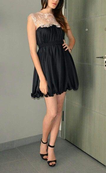 Flowy dress with lace