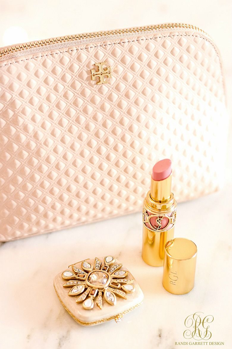 Tips To Stock Your Purse In Style What S Inside My