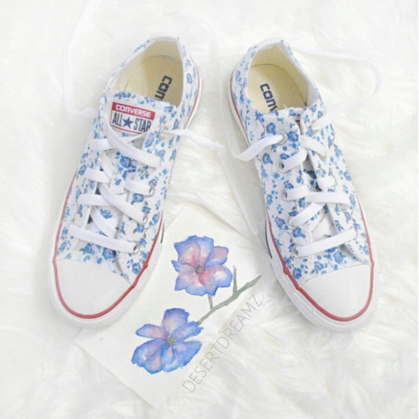 What color would you customize these kicks to? Blue? Pink? Maybe Purple?  #LoveQtee Photo: @desertdreamz