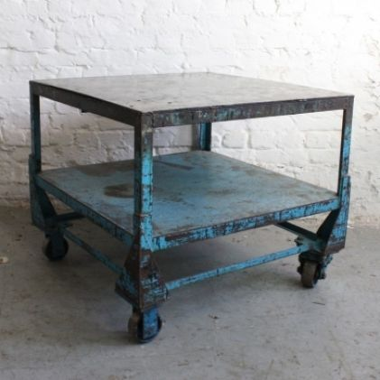 Large vintage industrial trolley coffee table decohome for Muebles industriales usados