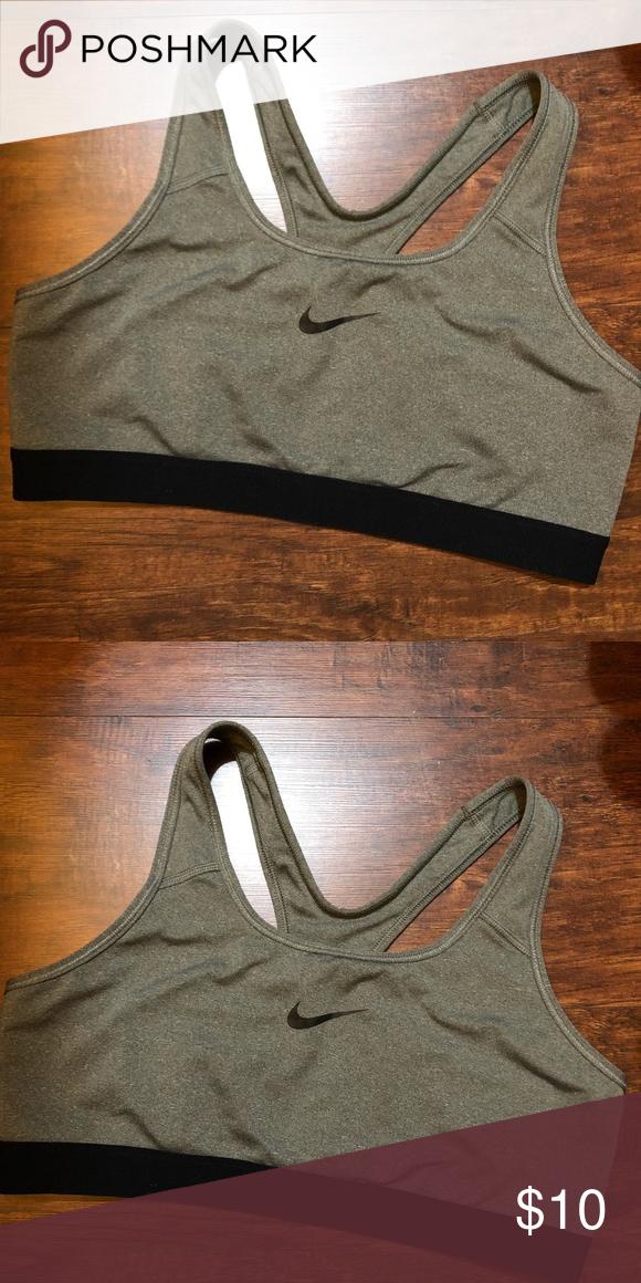 Grey Nike sports bra size Large Nike sports bra, Grey