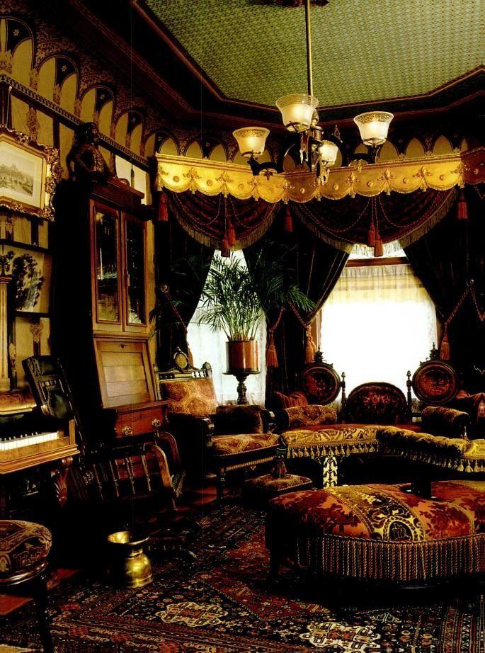 victorian boudoir victorian decor pinterest deco petit salon victorien et maisons rustiques. Black Bedroom Furniture Sets. Home Design Ideas