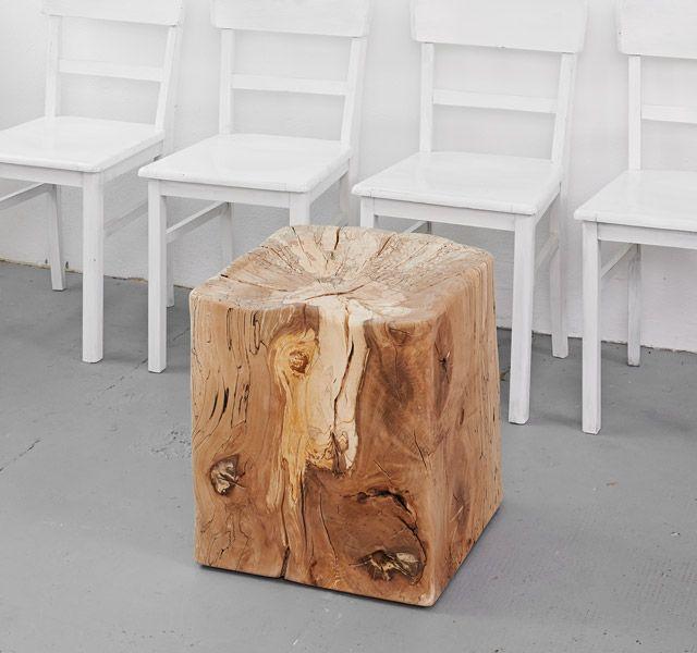 Lawinenholzwürfel mit eingelassener Sitzschale aus der Bergbuche von der Hörndlwand. www.holzgeschichten.com