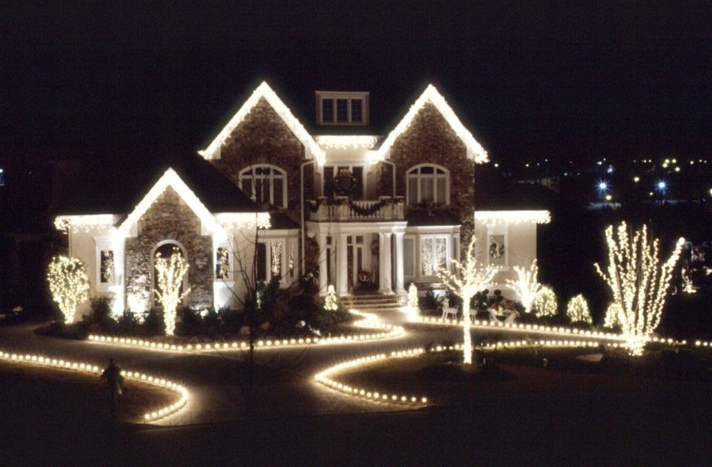 House With Christmas Lights.Beautiful Christmas Houses For Christmas Exterior