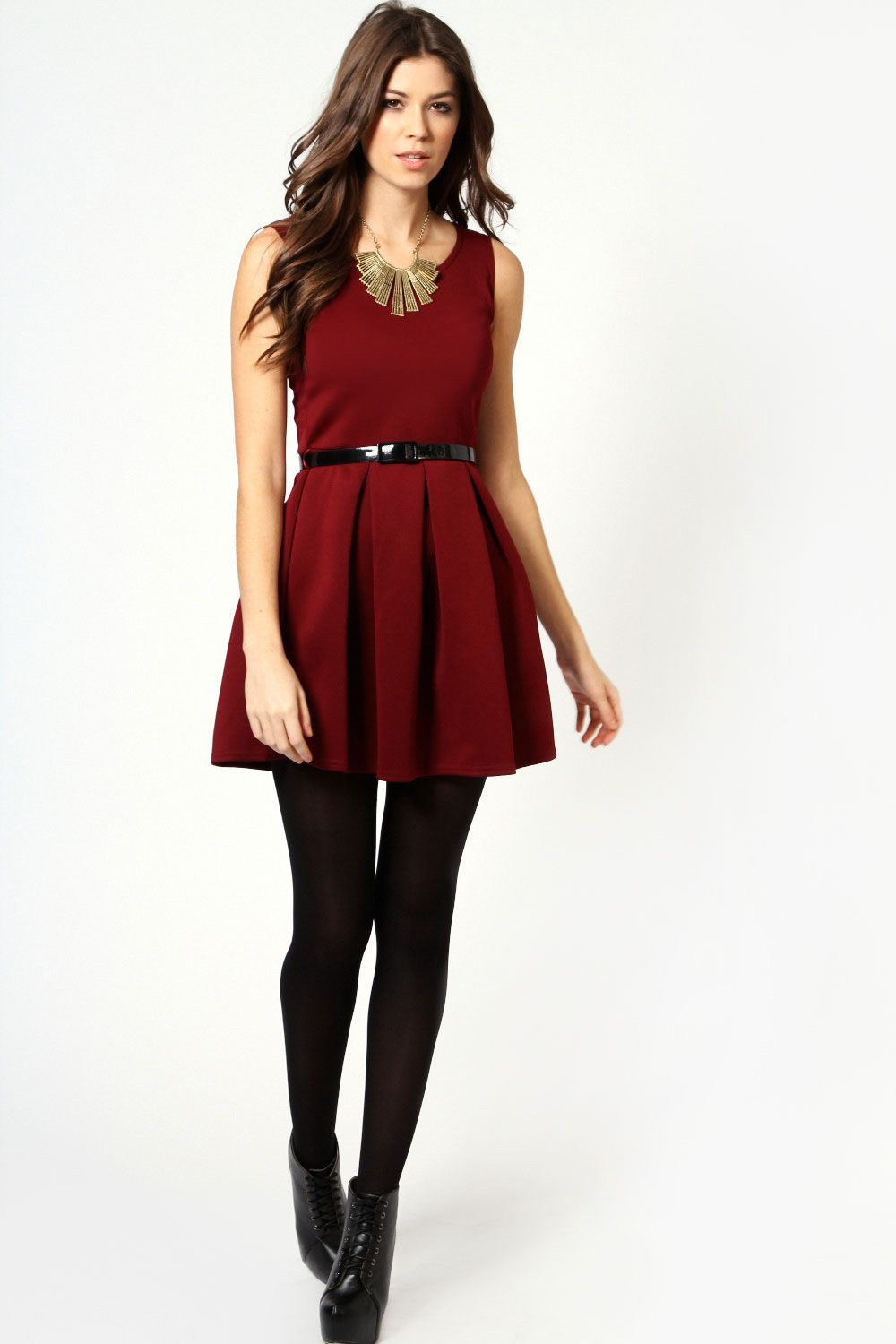 Can you wear red dress with black tights