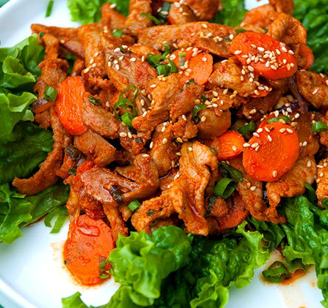 Korean Spicy Pork  (Je-Yuk-Bokk-Eum, 제육볶음)