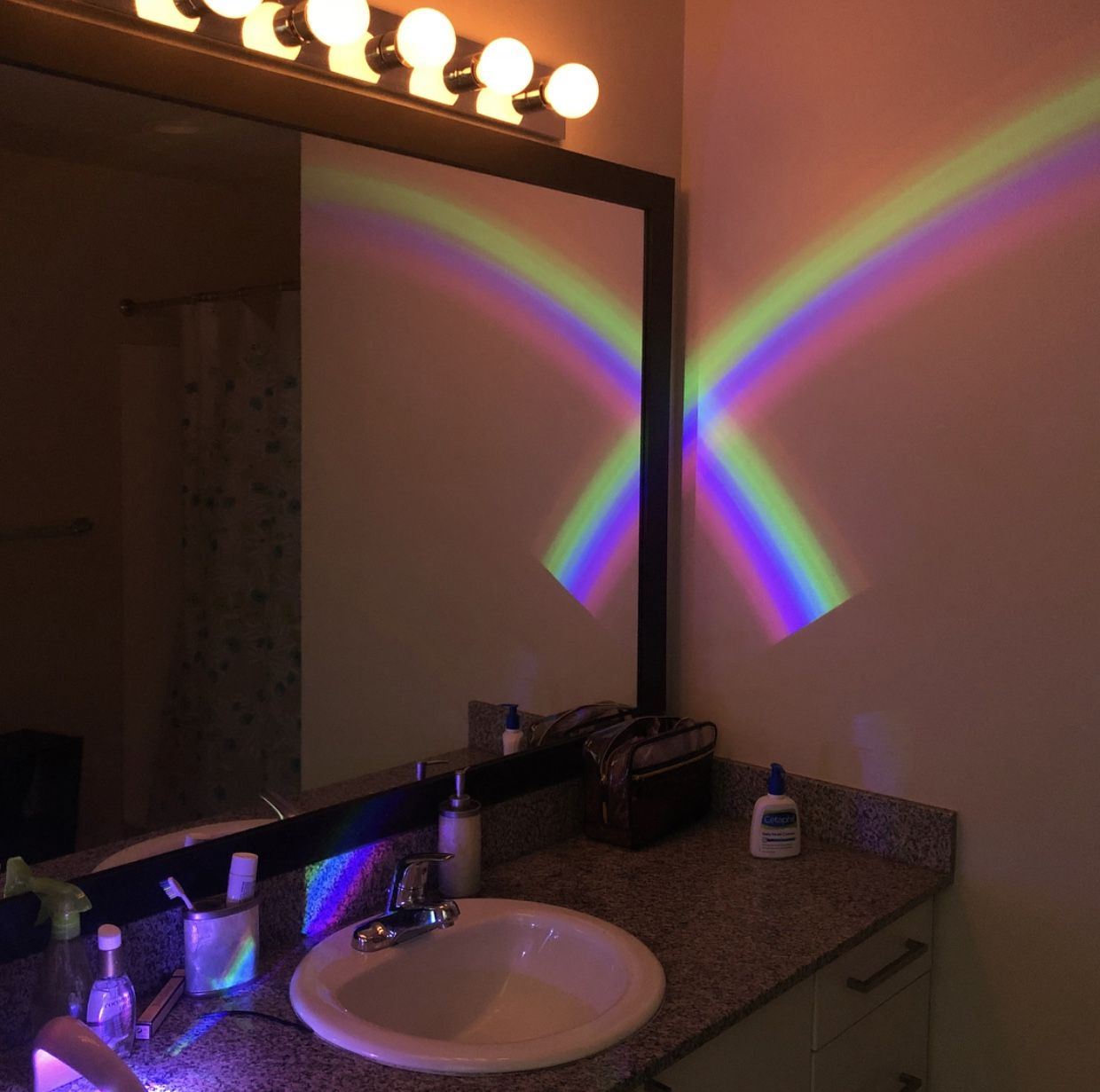 Pin By Pinkyyblinky On Bed Bath Beyond Lighted Bathroom Mirror Mirror Bed Bath And Beyond