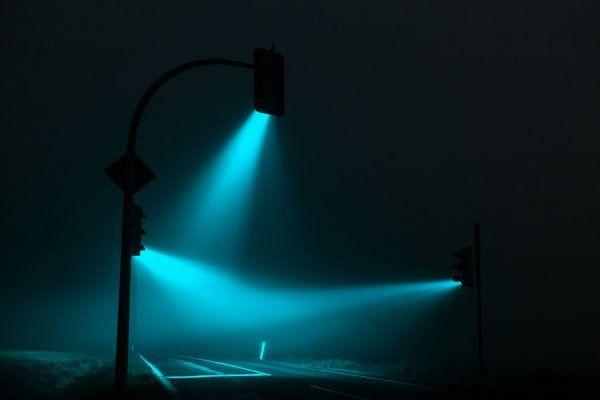 829e755c54ad Traffic Lights es una serie del fotógrafo Lucas Zimmerman que captura las  luces de los semáforos y juega con los colores en la post producción