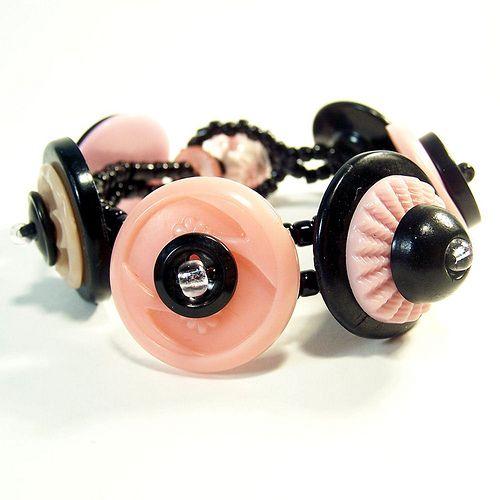 Vintage buttons bracelet.