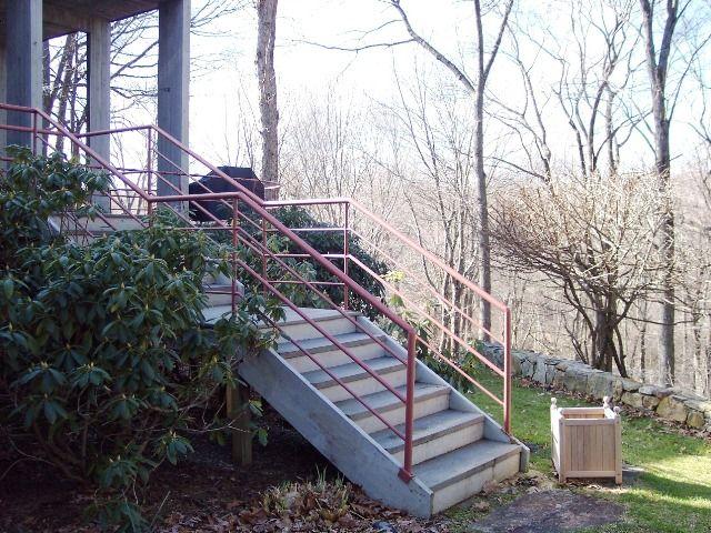 Best Round Rail Wrought Iron Staircase Railing Iron Staircase 400 x 300