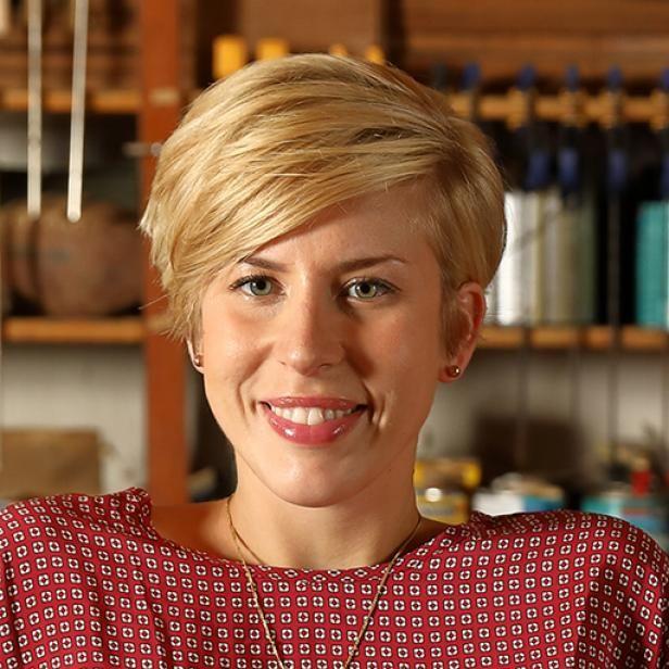 Erin Napier, hgtv show Home Town , love this hair style