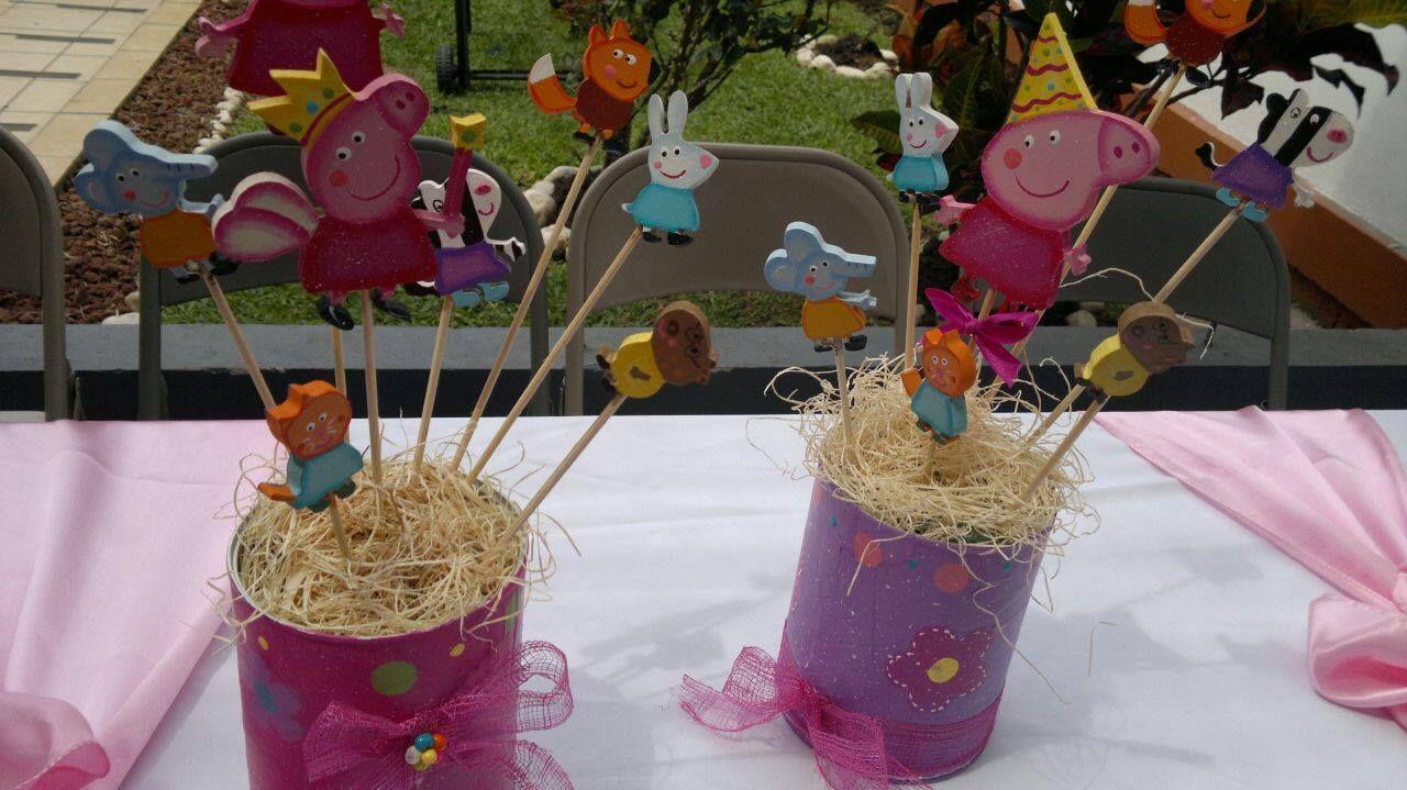 Centros de mesa en madera peppa pig party pinterest for Mesas de centro de madera