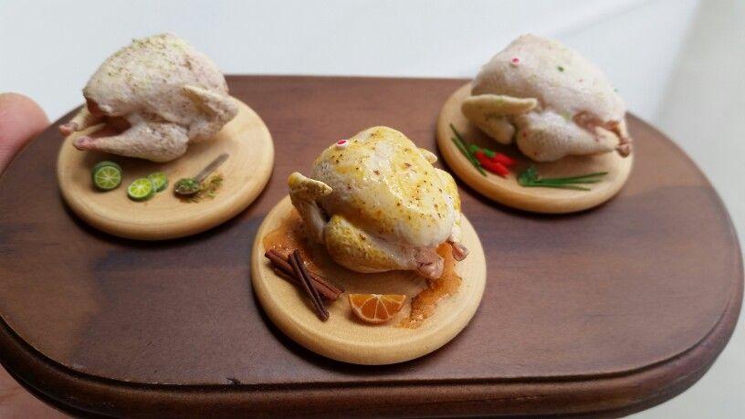 Raw turkey, three different seasonings - by OficinaCarioca #miniatures #dollhouses #miniaturefood #polymerclay #turkey