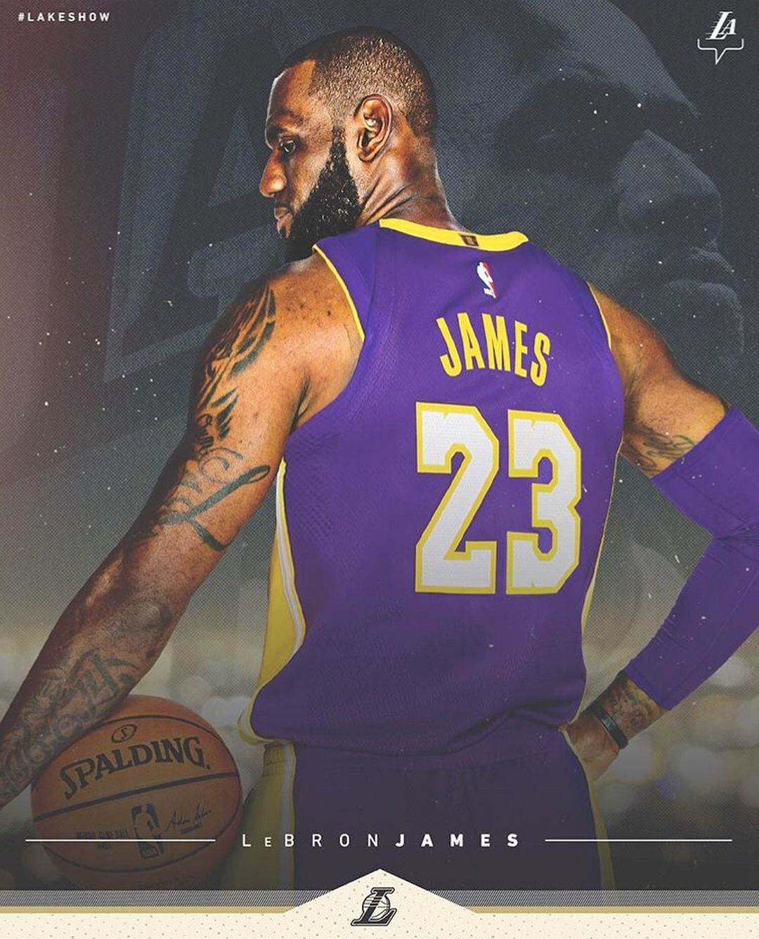 It S Official Lebron James Has Signed A 4 Year 154 Million Contract With The Los Angeles Lakers Rejoice La Lebron James Lakers Lebron James Lebron James Jr