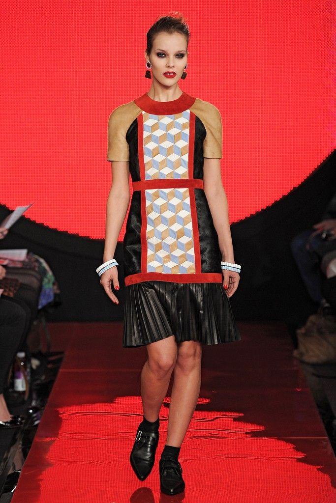 Holly Fulton RTW Fall 2013 - Slideshow - Runway, Fashion Week, Reviews and Slideshows - WWD.com