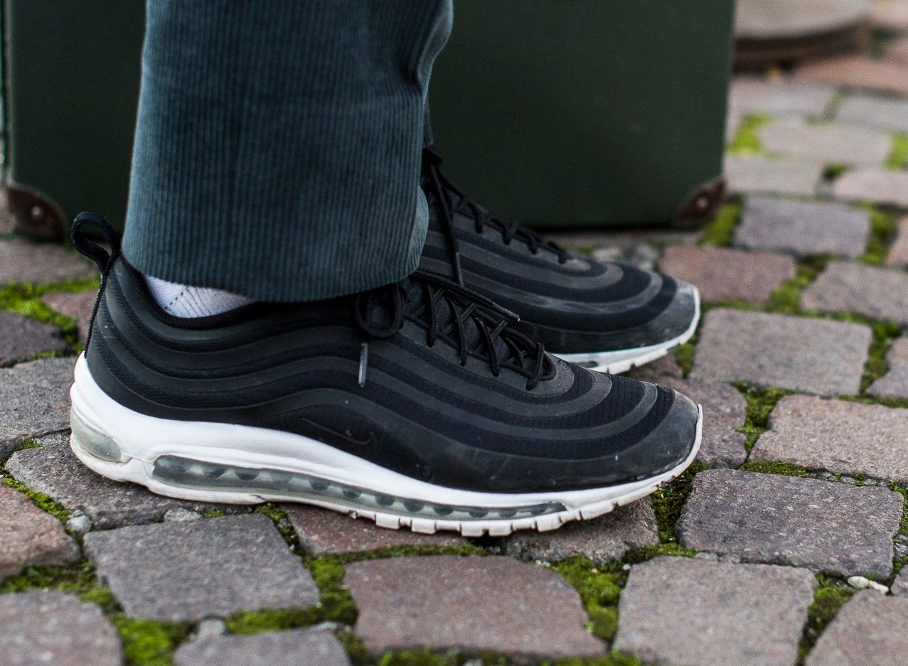 INTRODUCING THE UNDEFEATED X Cheap Nike AIRMAX 97 FIRST