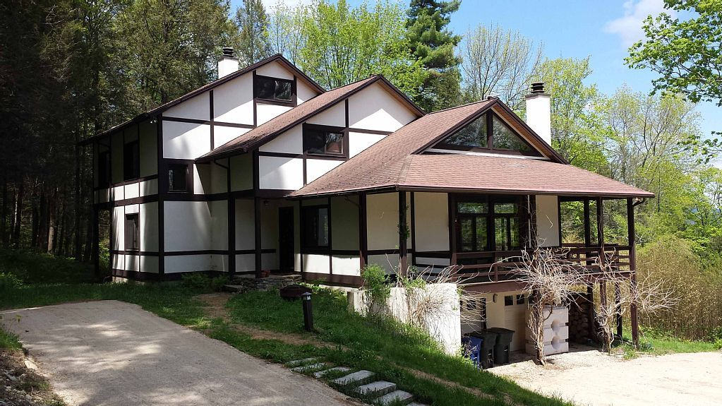 Our New Race Mountain House Vacation Rental Is On Vrbo Com Vacation Rental Travel Vrbo Lodge Rentals Mountain House Luxury Villa Rentals