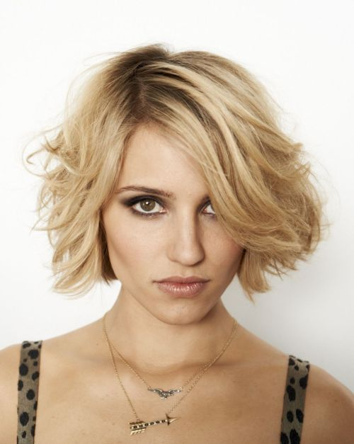 Short Bob Hairstyle Tucked Behind Ears Cute Hair Styles - Bob hairstyle behind ears