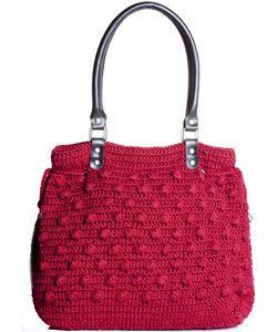 17201a4e8 Saiba como fazer uma bolsa de crochê com alças de couro - Moda, Beleza,  Estilo, Customizaçao e Receitas - Manequim - Editora Abril