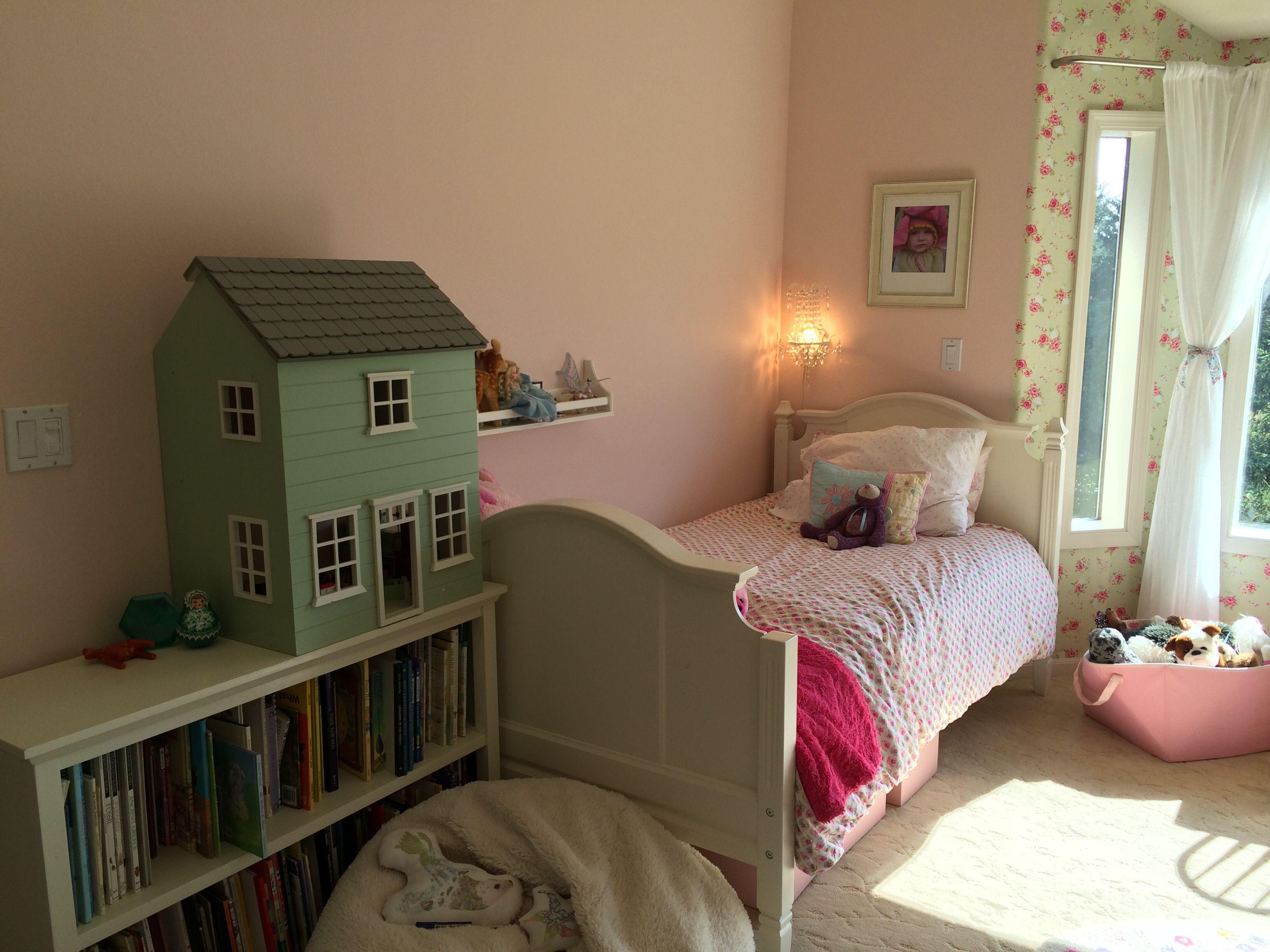 Olivia's bed