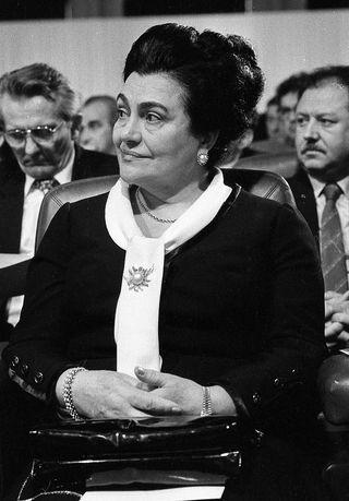 SFRJ, SRJ, RJ . . . . http://nedeljnik.co.rs/kraj_jugoslavije.html