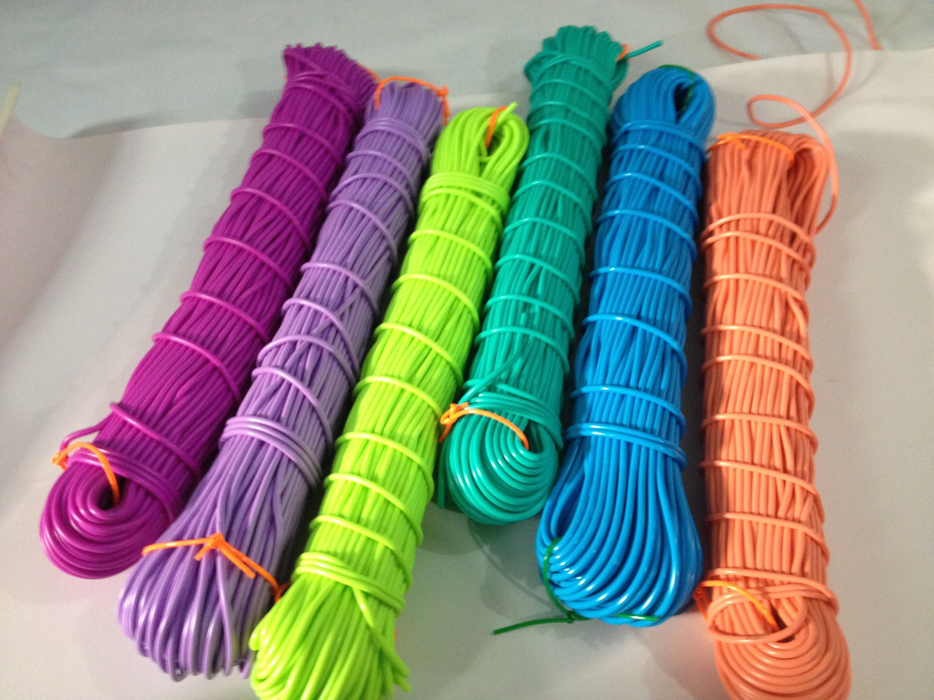 Manguerilla de pvc s lido para tejer sillas estilo for Silla acapulco ikea