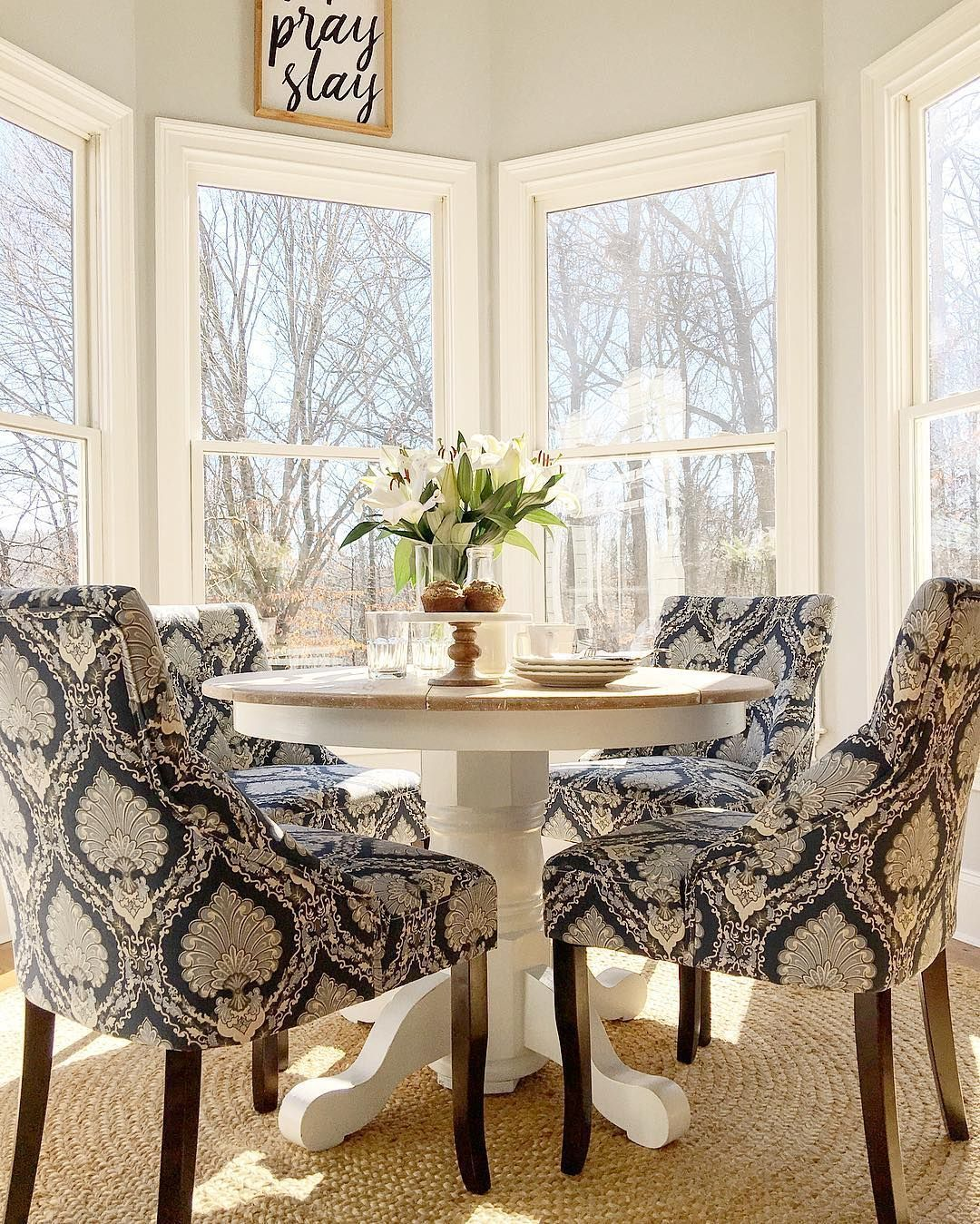 What I Want For My Kitchen A Small Round Pedestal Table With Four Comfy Chairs In An Easily C Dining Room Small Small Dining Room Table Breakfast Nook Table