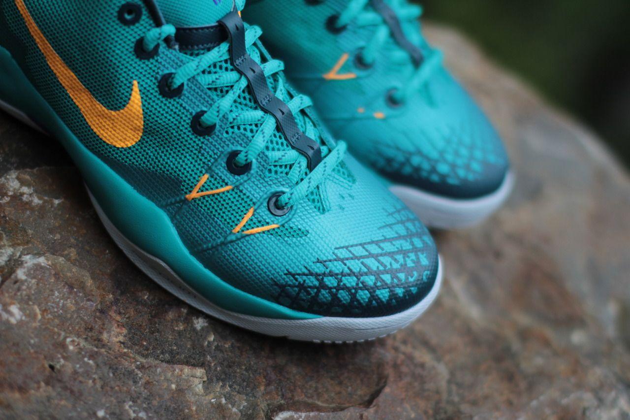 buy online 02820 a194c ... Nike Zoom Kobe Venomenon 4 Turbo Green Hitting Retailers ...