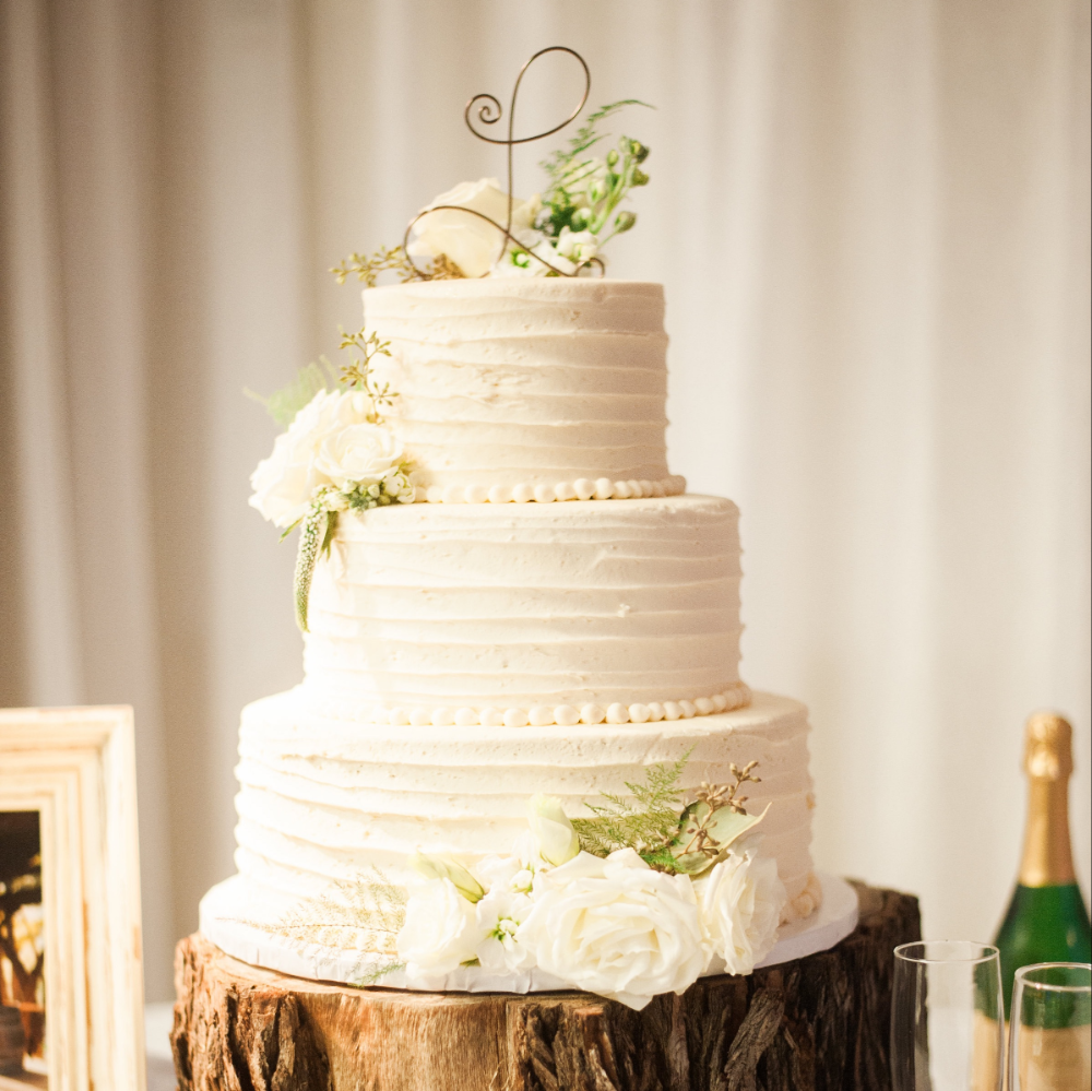 Wedding Cakes Simply Delicious Bakery in 2020 Wedding