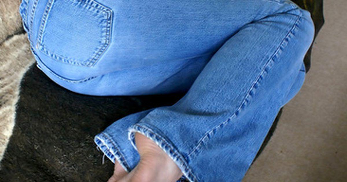 Cómo Transformar Un Jeans Tiro Alto En Un Jeans Tiro Bajo Los Jeans Son Un Básico De La Moda Y Pantalon Tiro Alto Jeans De Tiro Alto Pantalones A La Cadera
