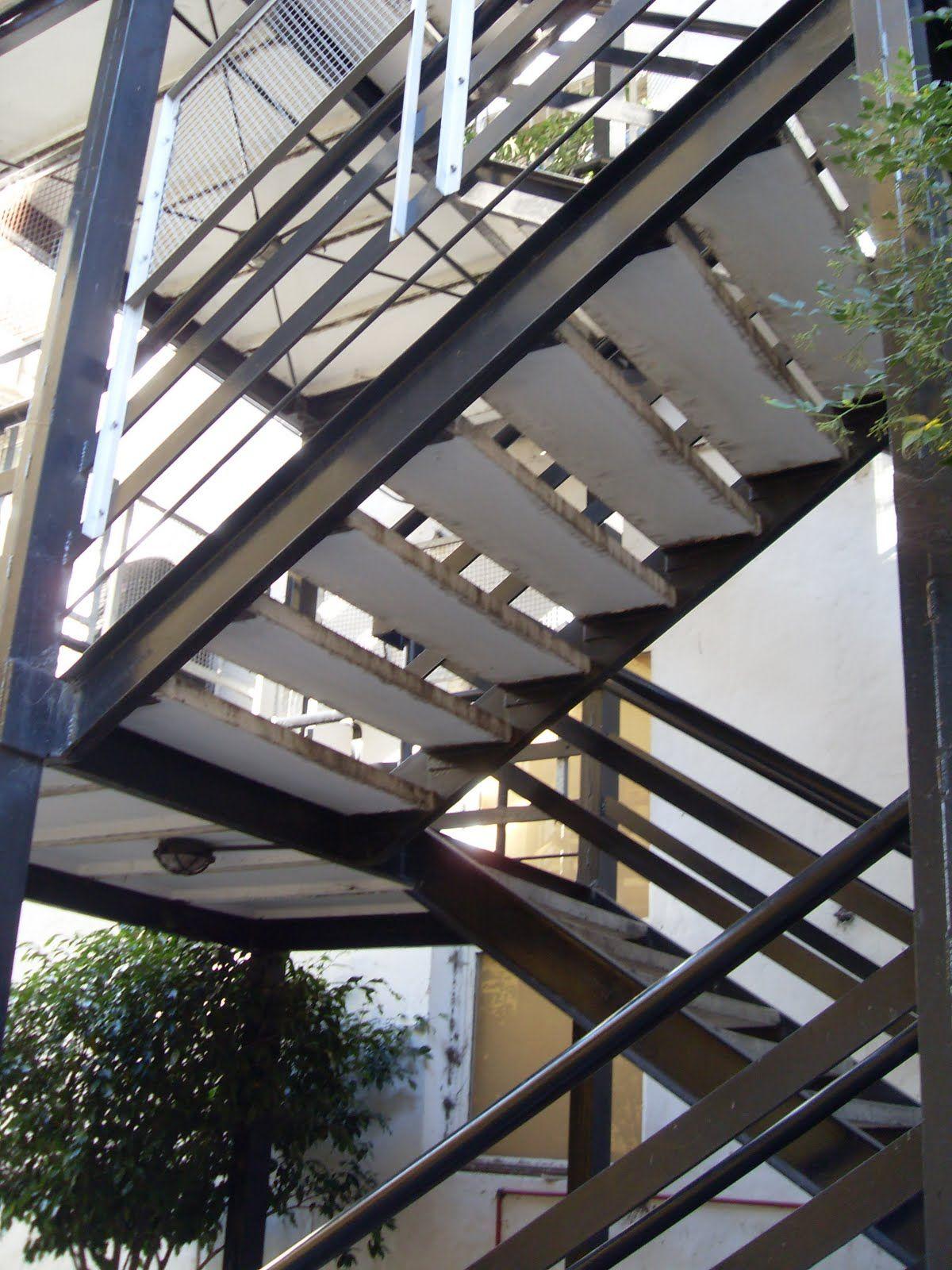 Escaleras metalicas detalle tecnico buscar con google for Formula escalera