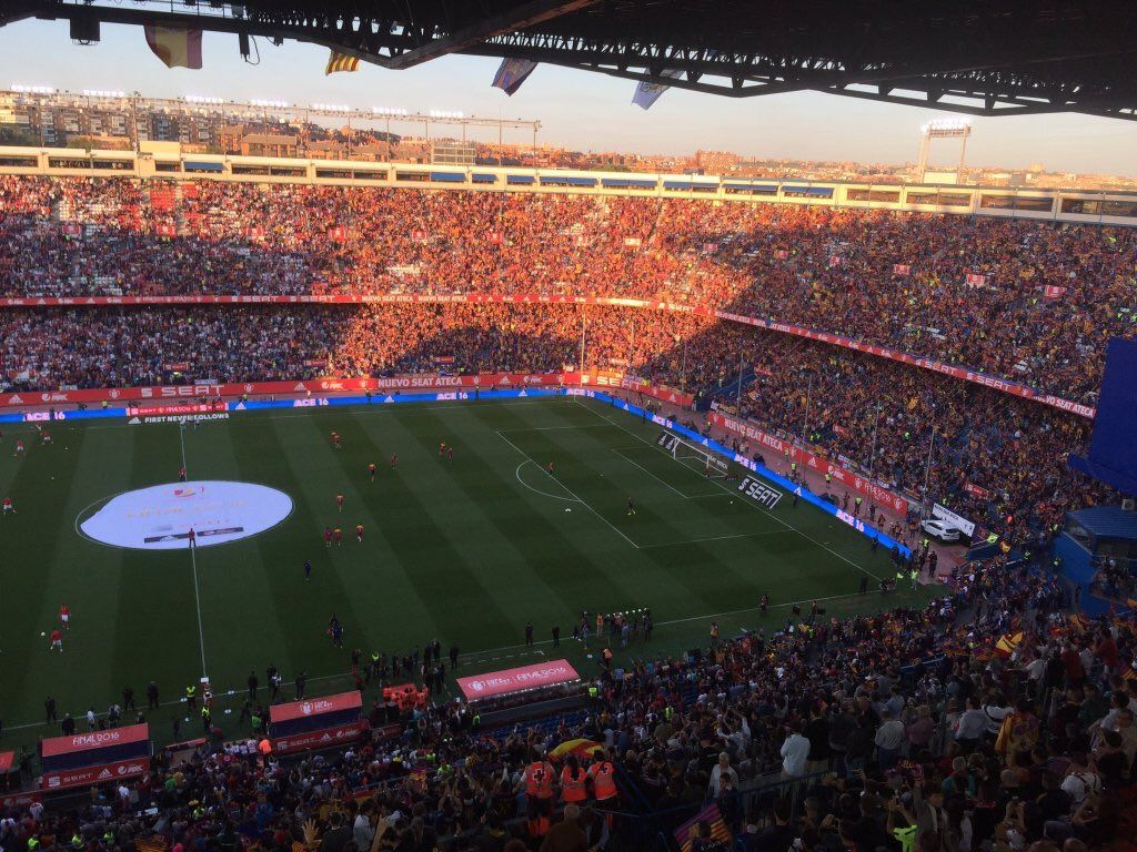 "FC Barcelona on Twitter: ""¡Espectacular el Vicente Calderón! https://t.co/QE4mXClBXf"""