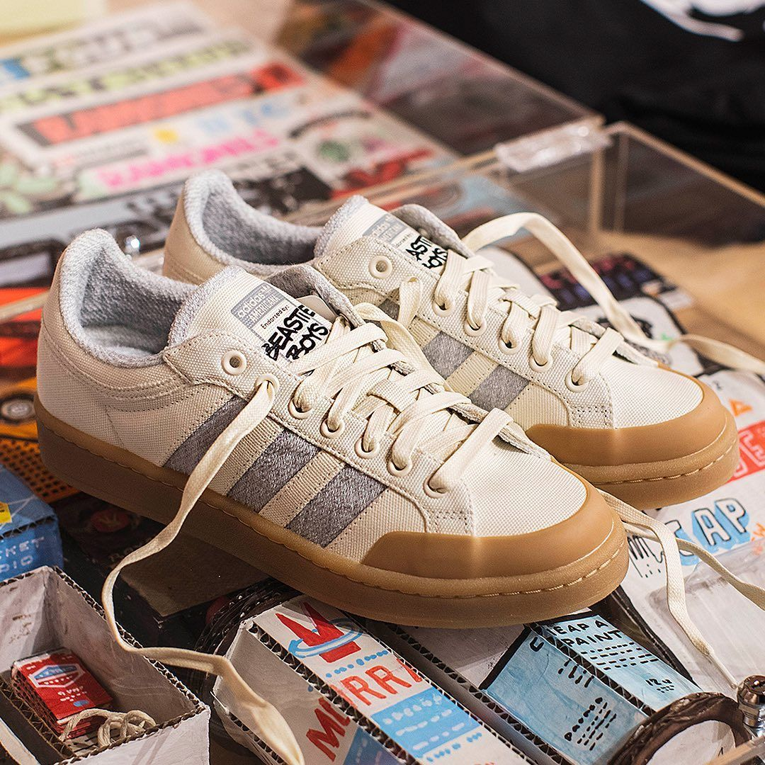 Adidas old school sneakers boys