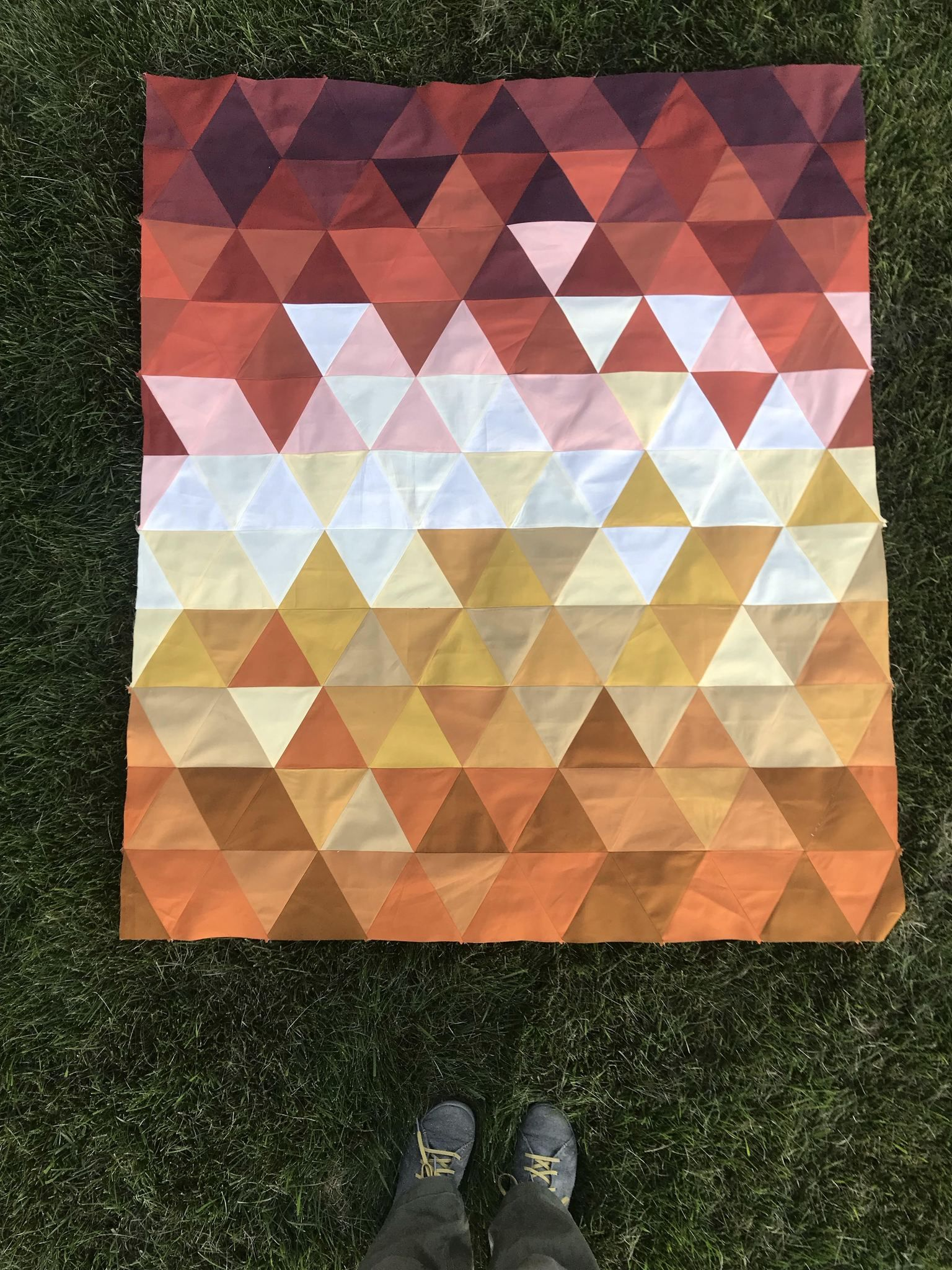 Triangle Fade Triangle, Triangle quilt, Digital pattern
