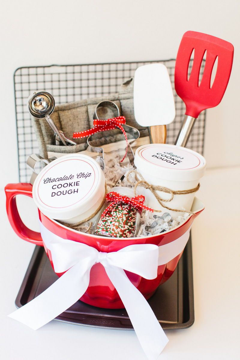 19 best diy christmas gift baskets your friends will love
