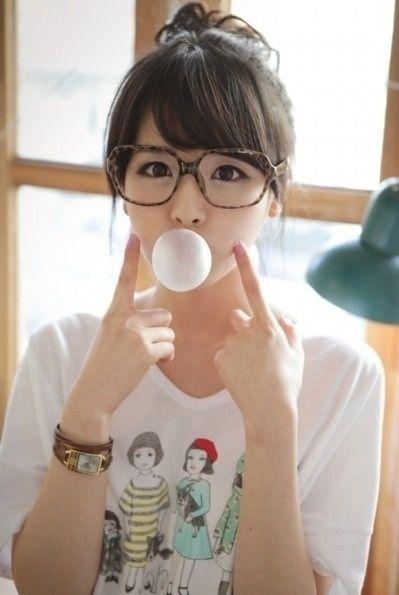 ผลการค้นหารูปภาพสำหรับ kim shin yeong glass